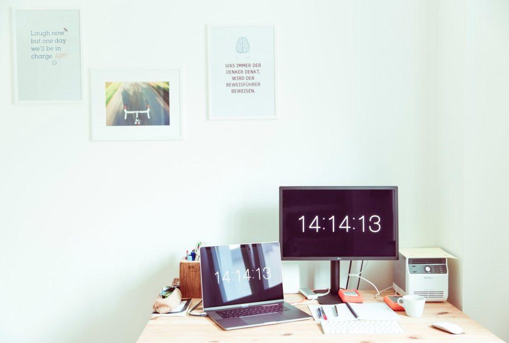 Trabajo editará una guía práctica para las empresas sobre el control diario de jornada laboral
